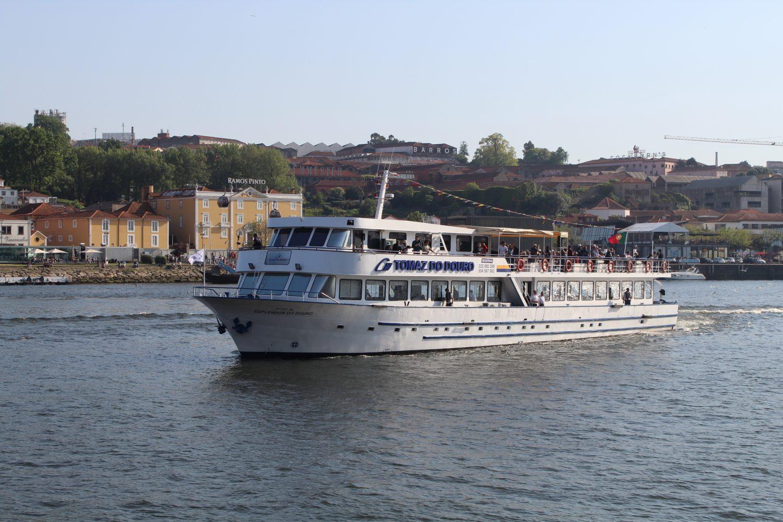 Boat Porto Regua Pinhão douro cruise