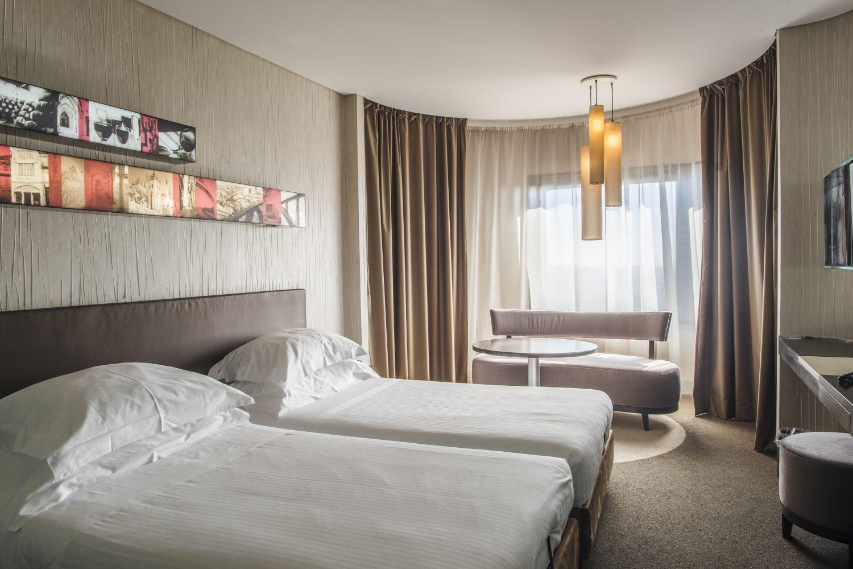Deluxe Twin Bedroom at Porto Palacio Congress Hotel