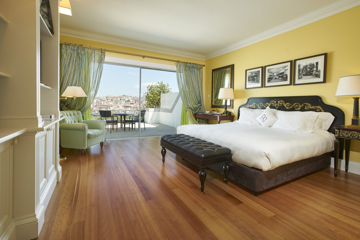 Executive Room with view to balcony at Yeatman Relais & Chateaux Hotel