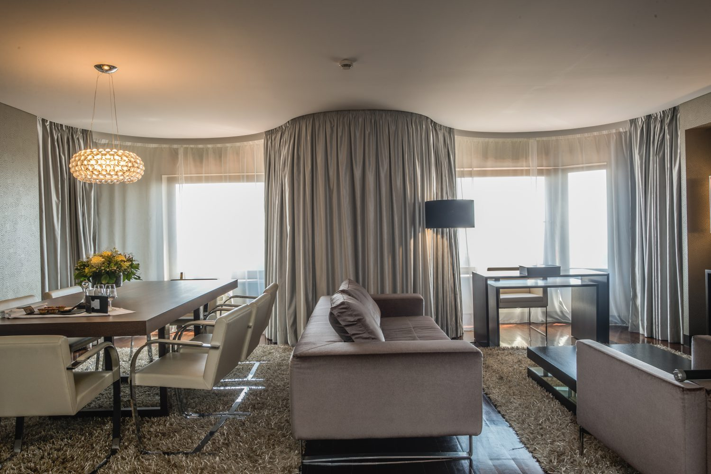 Grand Palacio Suite dinnig room at Porto Palacio Congress Hotel
