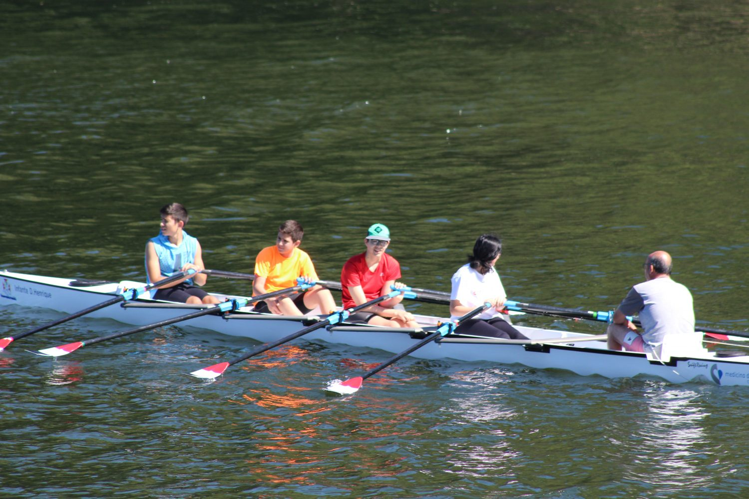Group sport at douro river