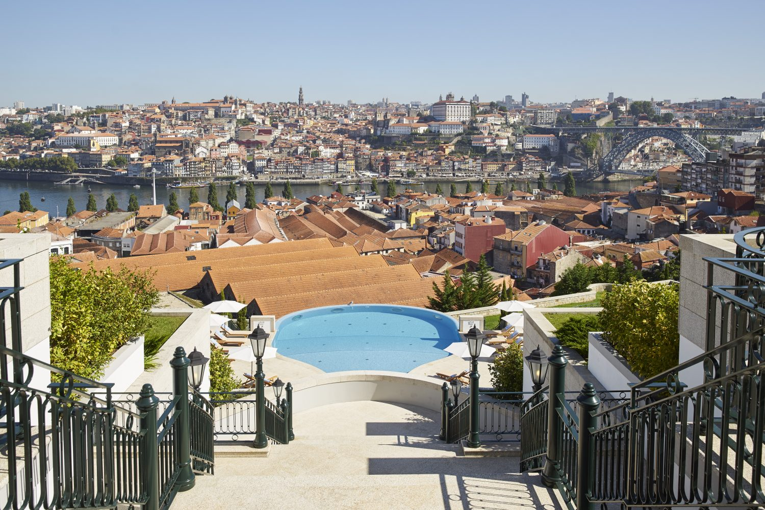 Panoramic day view to Porto from Yeatman Hotel Relais & Chateaux