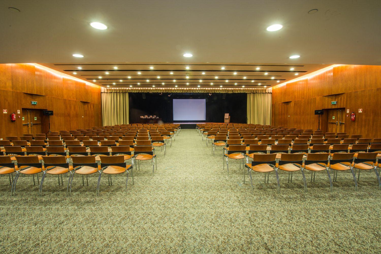 Porto Conference meeting Room at Porto Palacio Congress Hotel