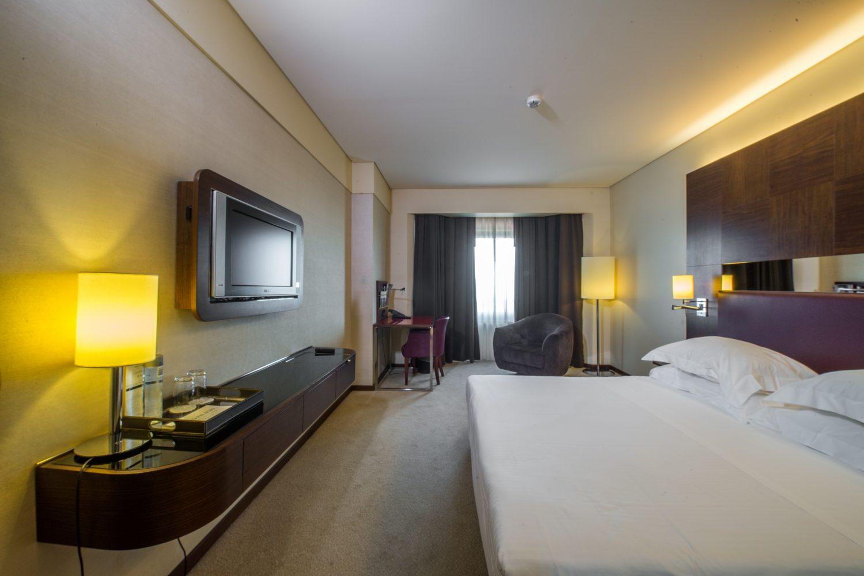Queen Executive Bedroom at Porto Palacio Congress Hotel