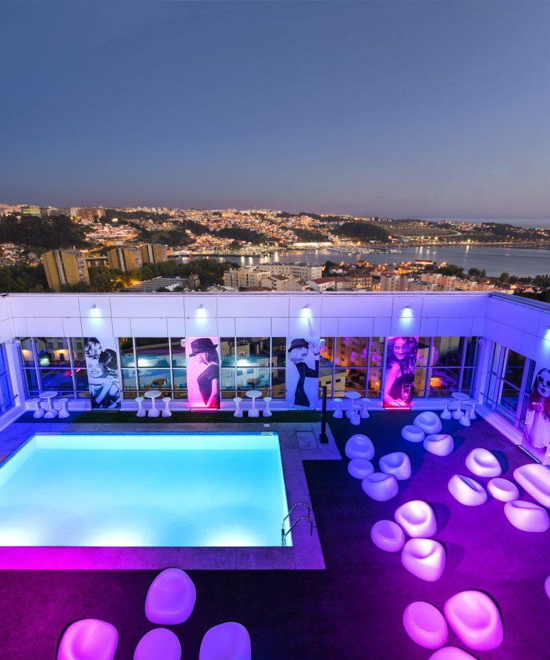 Rooftop Bar at night of the Hotel HF Ipanema Park