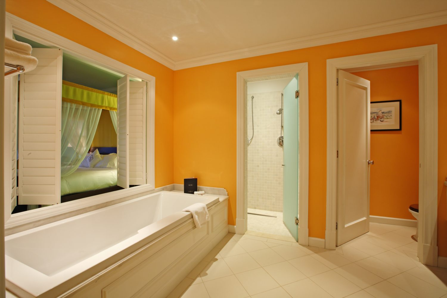 Suite Grahams bathroom at Yeatman Relais & Chateaux Hotel