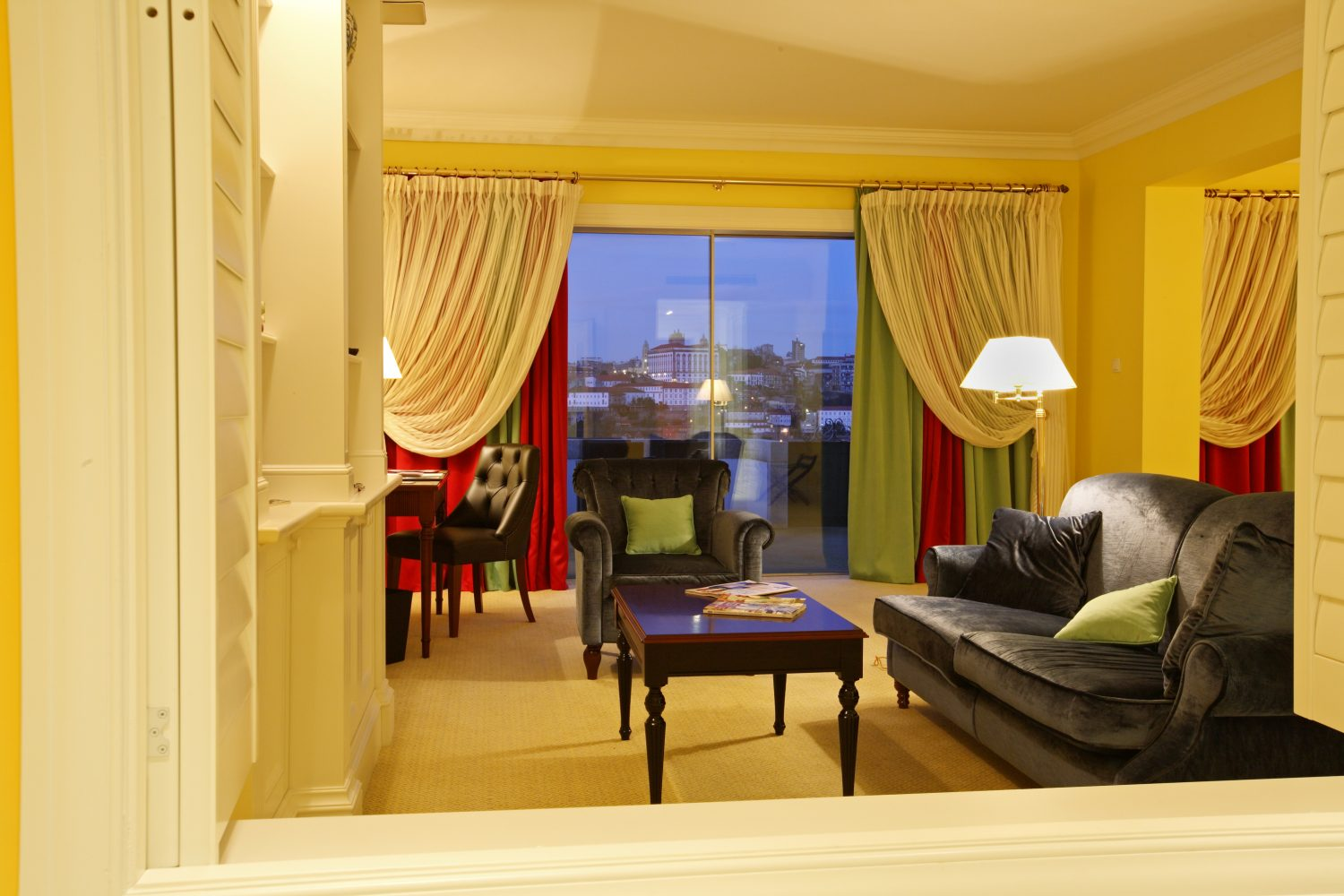 Suite comfort area at Yeatman Relais & Chateaux Hotel