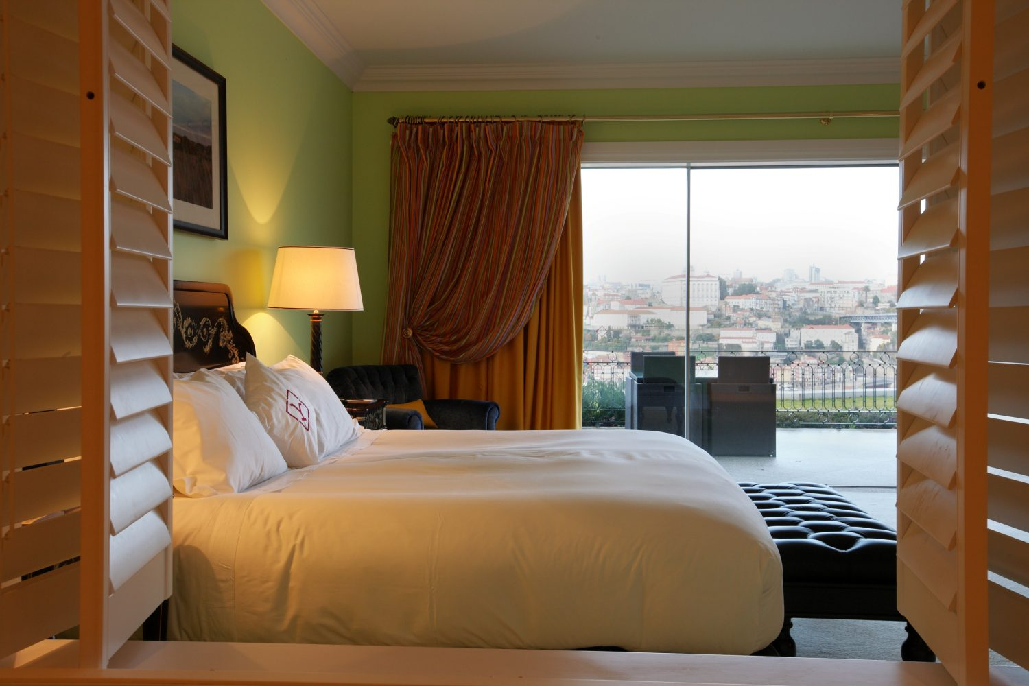 Suite with view to Porto at Yeatman Relais & Chateaux Hotel
