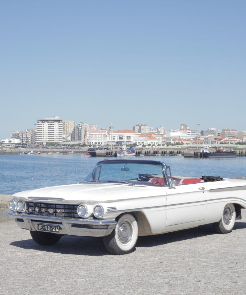 carro descapotavel city tour at porto